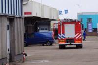 Hoogwater treft visafslag Lauwersoog; pand staat blank