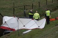 Drie gewonden bij auto in de sloot N34 te Emmen + VIDEO