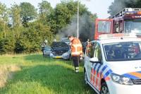 Kortsluiting veroorzaakt brand in auto in Hardenberg