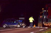 Automobilist botst op tractor in Hoge Hexel en raakt gewond