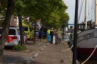 Zwemmend persoon in nood gered door brandweerman buiten dienst te Franeker
