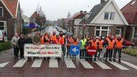 Bewoners Schagen zijn verkeersoverlast zat en sluiten straat af